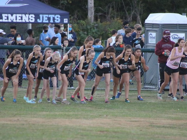 JC XC Hosts the Last Chance Invitational Twilight Run