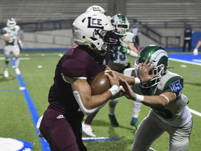 HS FOOTBALL: Hartman gets 100th win, Lee routs Montwood in playoff