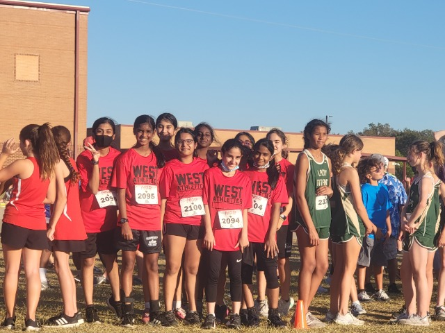 West Girls Continue to Set PR's at Meet of Champions