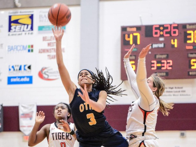 O'Fallon ends 35-game losing streak to Edwardsville, reaches first sectional final