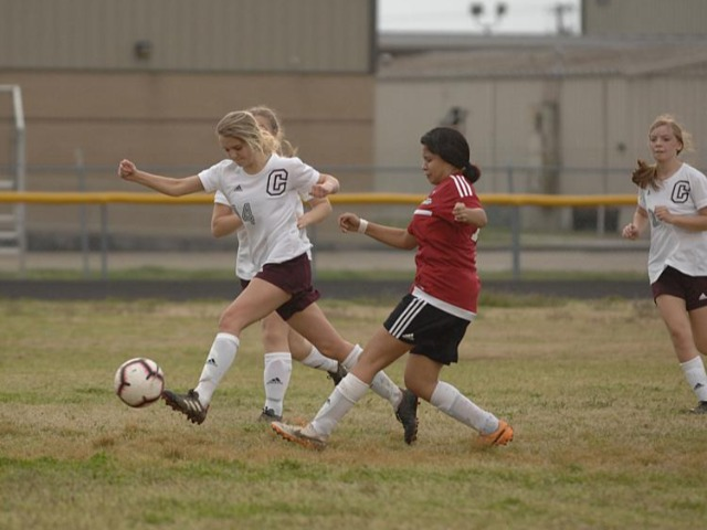 Lakeside Beavers girls' soccer team defeats Crossett Eagles 1-0, falls to Monticello