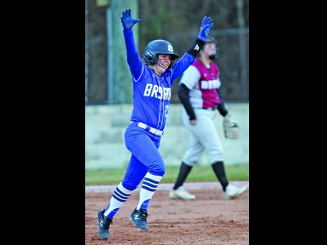 Lady Hornets sweep on Friday