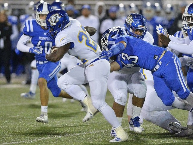 Bryant ends NLR's hold on league title