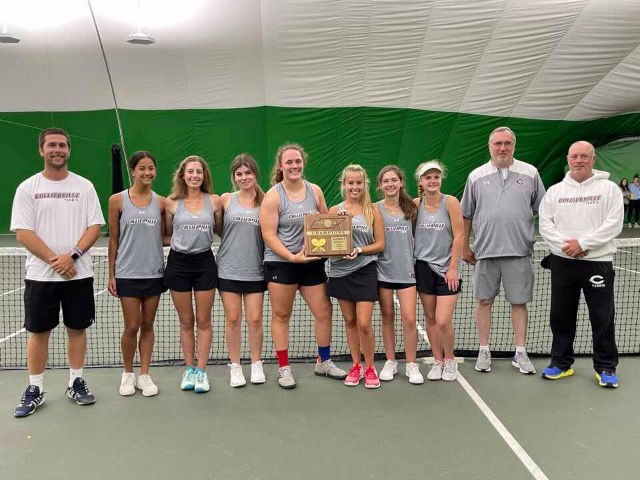 Image for Collierville Women's Tennis Defeats  Houston for District Championship