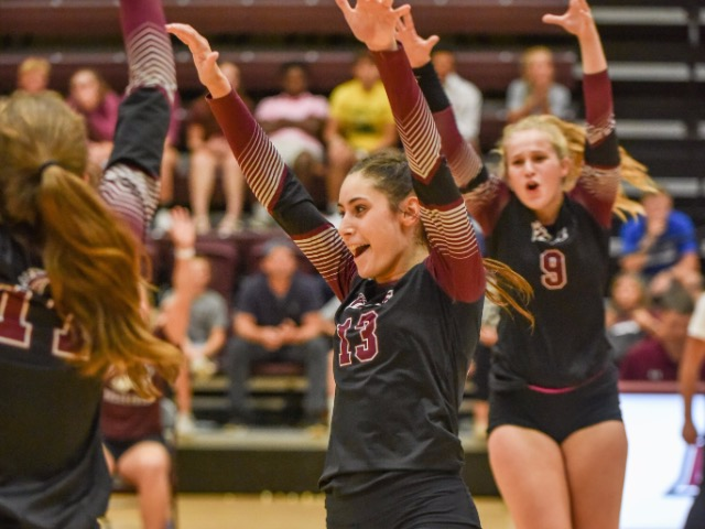 Collierville Volleyball Sweeps Bartlett, Wins District 15-AAA Regular Season Title