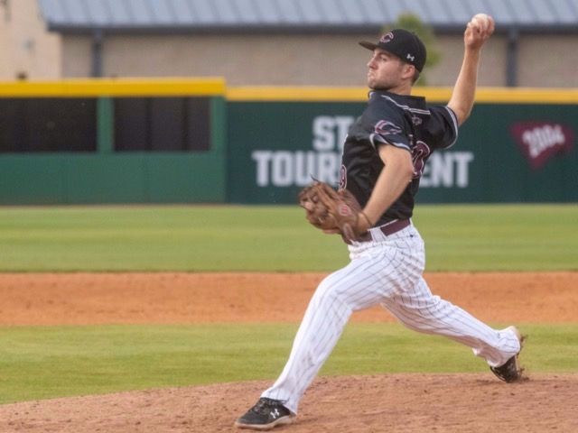 Collierville Baseball Continues Offensive Explosion With 10-2 Win Over ECS