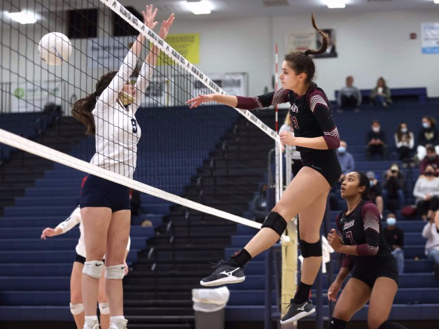 Image for Collierville Volleyball Advances To State Tournament With Win Over Arlington
