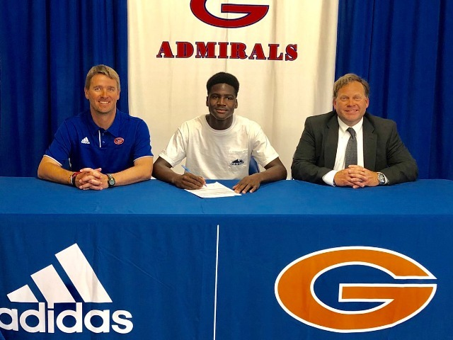Mohamed Diallo signs with Pearl River Community College
