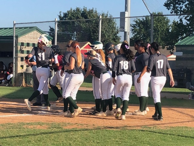 Edmond Santa Fe Wolves varsity grabs lead in fifth inning for victory over Putnam City North