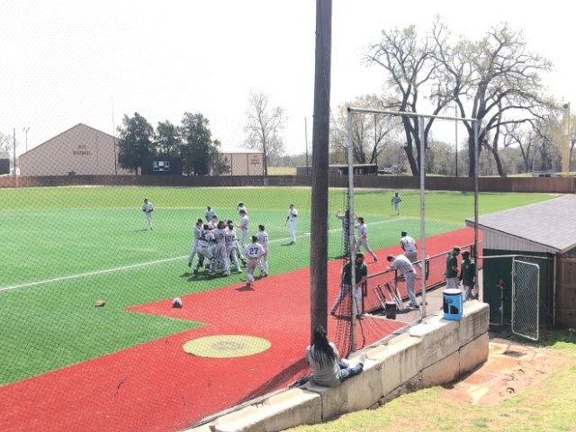 Wolves Turn Triple Play to Beat Edmond North