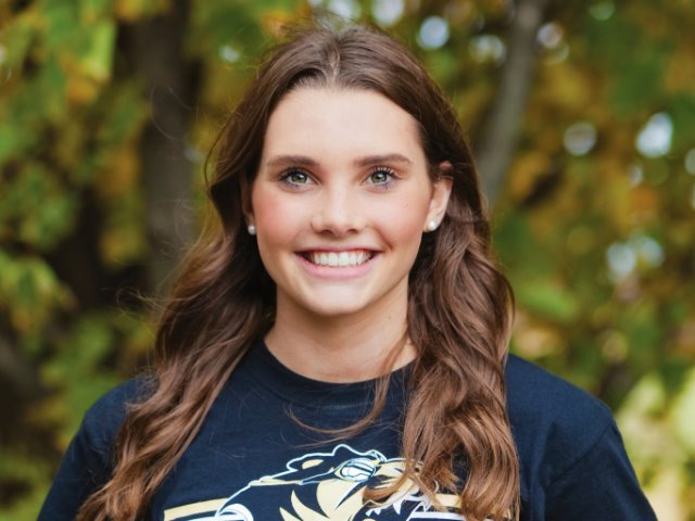 roster photo for Lainey Quandt