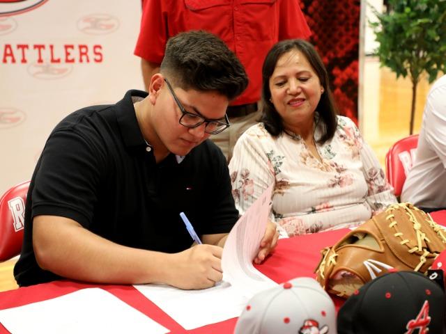 Martin Vazquez Signing