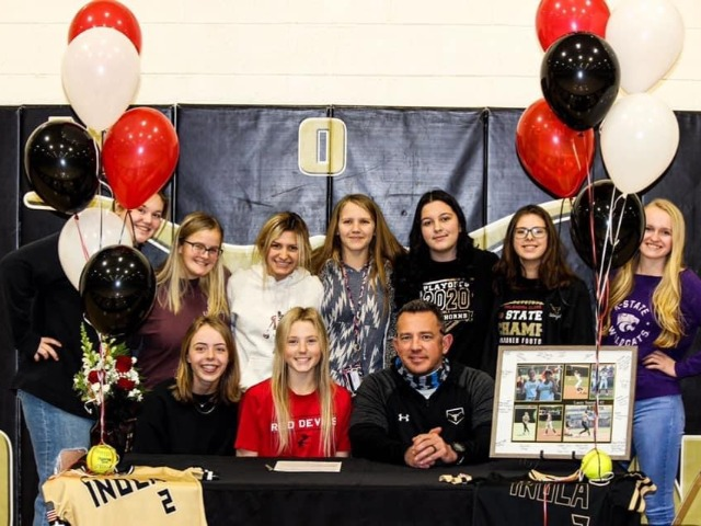 Lacey Stamper signs with Allen Community College