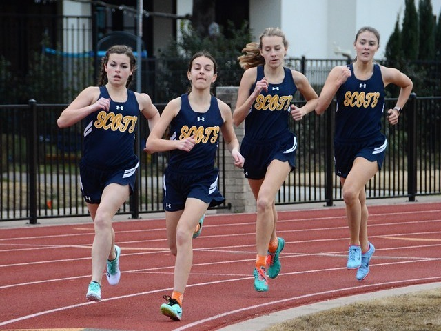 2019 Dual Meet - Sophomores Sophia Oliai, Izzy Blaylock, and Elle Thompson and Junior Margaret Kemp - 800 M Run