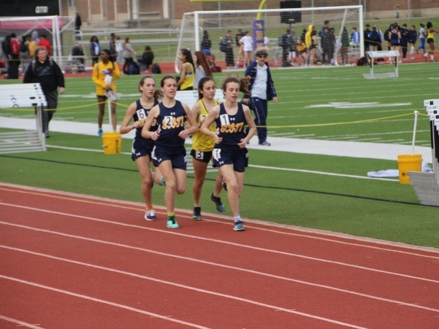 2019 Richardson Invitational - Sophomores Cameron Fawcett, Sophia Oliai, and Freshman Alli Grace Ott - 3200 M Run