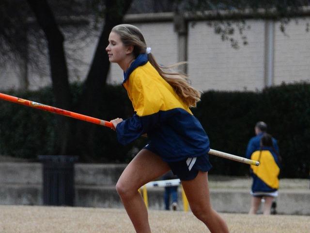 2019 Dual Meet - Sophomore Katarina McIlveene - Pole Vault