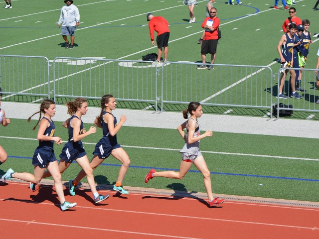 2019 District 11-5A Meet - Sophomores Sophia Oliai, Cameron Fawcett, and Izzy Blaylock - 1600 M Run