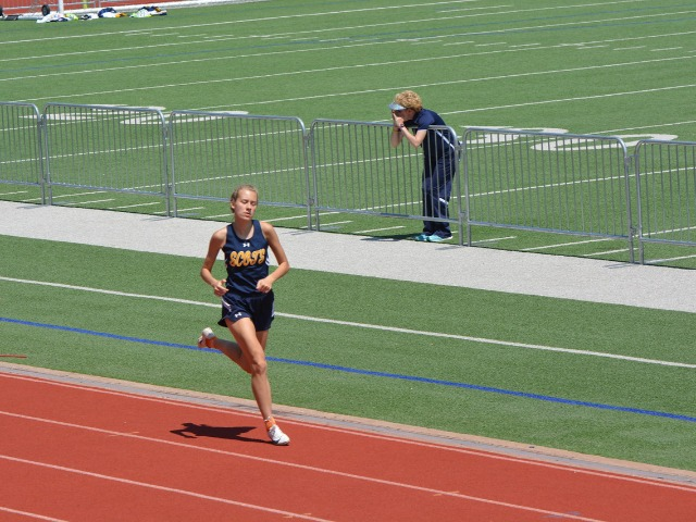 2019 District 11-5A Meet - Sophomore Elle Thompson - 800 M Run