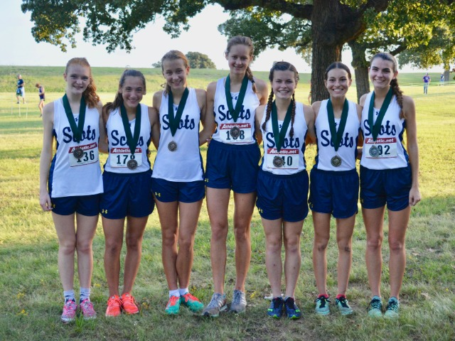 2018 Birdville Invitational - Varsity Gold - Junior Gracyn Applegate, Freshman Alli Grace Ott, Sophomore Elle Thompson, Junior Phoebe Spackman, Sophomores Isabel Blaylock and Sophia Oliai, and Senior Captain Maddy Stephens