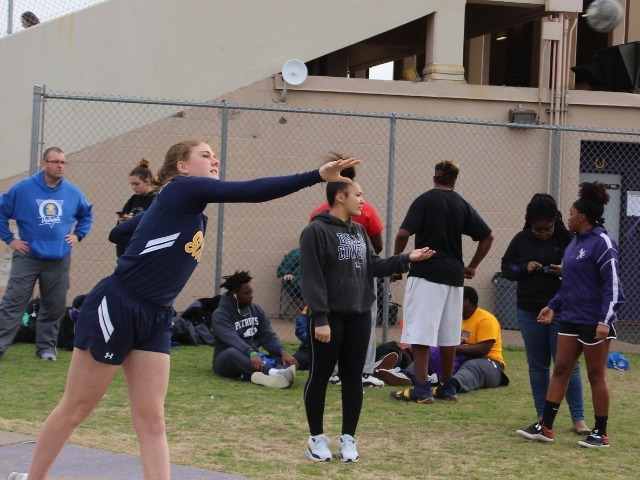 2019 Richardson Invitational - Freshman Ellie Jones - Shot Put