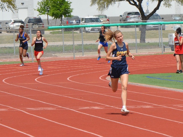 2019 District 11-5A Meet - Sophomore Elle Thompson - 400 M Dash