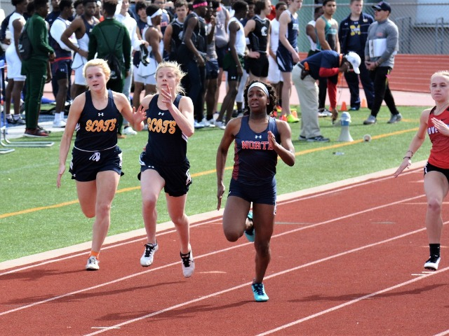 2019 McKinney Boyd Relays - Senior Captain Claire Kozmetsky and Junior Alie Lavish - 100 M Dash