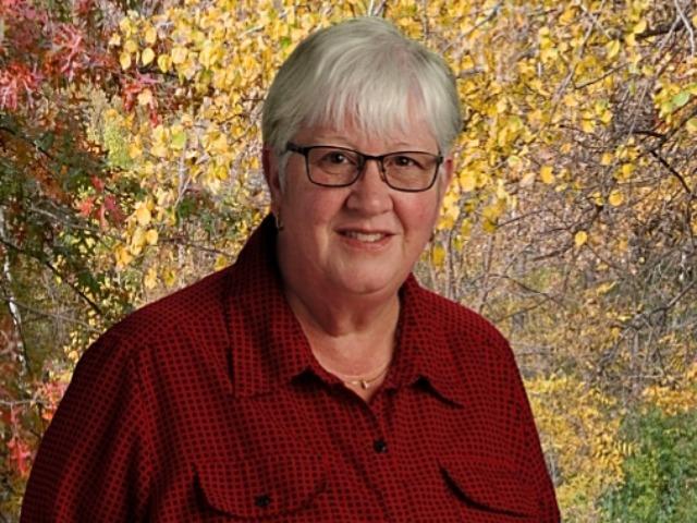 staff photo of Linda Payne
