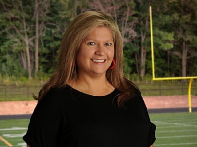 staff photo of Leslie Doss