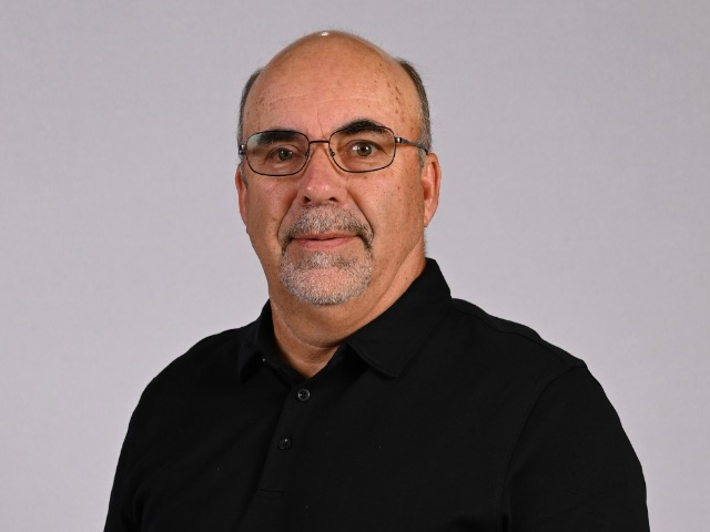staff photo of Jeff Barker