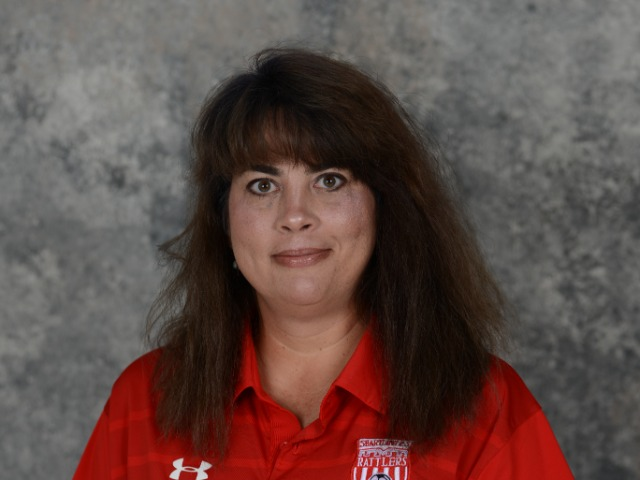 staff photo of Hanna Reyes