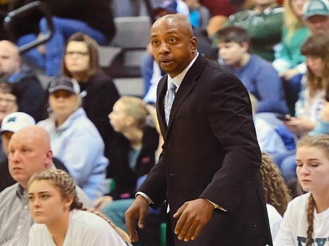 staff photo of Bobby Reynolds